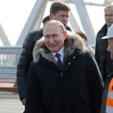 Prieš rinkimus V. Putinas lankosi aneksuotame Kryme