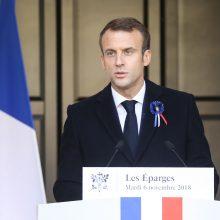 E. Macronas ragina kurti bendras Europos pajėgas gintis nuo Rusijos ir JAV