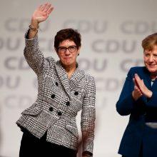Vokietijos kanclerės A. Merkel partijos vadove išrinkta jos šalininkė