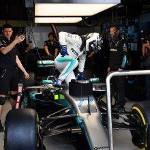 "Prie Brazilijos ""Formulės 1"" trasos apiplėšta ""Mercedes"" komanda"