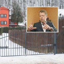 Dėl incidento prie profsąjungos lyderio namų pradėtos administracinės bylos