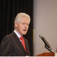 B. Clintonas nemano, kad turėtų atsiprašyti M. Lewinsky asmeniškai