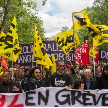 Prancūzijos profsąjungos: vyriausybė leis surengti demonstraciją