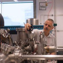 Bendradarbiaus su Europos branduolinių mokslinių tyrimų organizacija CERN