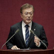 Šiaurės ir Pietų Korėjų parlamentų lyderiai sutinka susitikti Rusijos teritorijoje