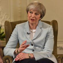 """Th. May dėl """"Brexito"""" nevyks į Davosą"""