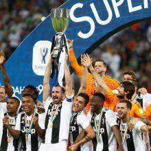 """Italijos futbolo Supertaurę iškovojo """"Juventus"""" klubas"""