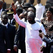 Liberijos prezidentu prisaikdintas buvęs garsus futbolininkas G. Weah