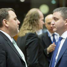 Bulgarijos finansų ministras: šalis eurą įsivesti gali jau 2022 m.