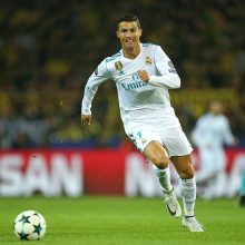 """Paskelbti """"Auksinio kamuolio"""" pretendentai: vėl kovos C. Ronaldo ir L. Messi"""