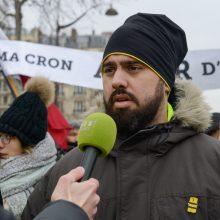 """""""Geltonųjų liemenių"""" vedlys reikalauja susitikimo su E. Macronu ir grasina"""