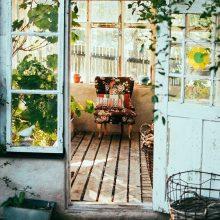 Tinklaraštininkė pataria, kaip po žiemos sutvarkyti balkoną ar terasą