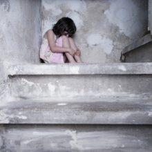 Apie smurtaujančius tėvus mažametė pranešė pati