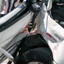 """Taikos prospekte susidūrė mokomasis sunkvežimis ir """"Škoda"""", sužaloti trys žmonės"""