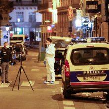 Paryžiuje siautėjo ginkluotas IS užpuolikas, yra žuvusiųjų