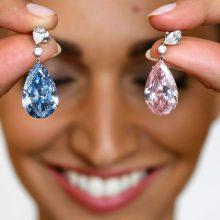 Už auskarus su deimantais aukcione sumokėta net 51,7 mln. eurų