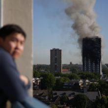 Sudegusiame Londono daugiabutyje toliau ieškoma aukų