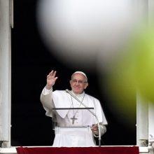 Popiežius ragina pasaulį atsisakyti branduolinių ginklų
