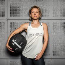 Kaip išsirinkti tinkamą sportinę liemenėlę?