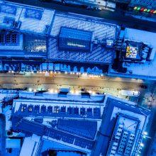 Dar šviežiai sutvarkytoje Vilniaus gatvėje po žiemos išlindo defektai
