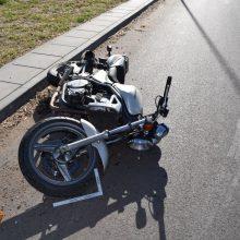 """Po skaudžios motociklo ir """"Toyotos"""" avarijos – liudininkų paieškos"""