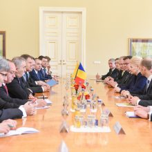 Lietuvoje viešintis Rumunijos prezidentas kritikuoja ES migracijos politiką