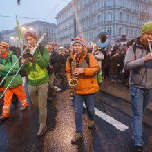 Austrijoje – protestas prieš naująją dešiniųjų vyriausybę