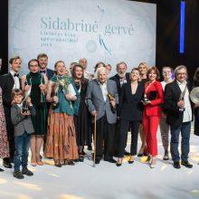 """Į """"Sidabrinės gervės"""" apdovanojimus susirinko įžymūs svečiai"""