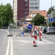 Darbai: S.Dariaus ir S.Girėno gatvėje eismo apribojimai buvo taikyti dėl atnaujinamų vandentiekio tinklų.