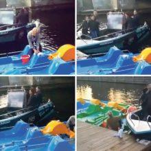 2,28 promiles į alkoholio matuoklį pripūtęs laivavedys socialiniuose tinkluose ir toliau kviečia klientus plaukti su juo žvejoti.