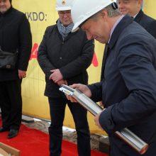 Pradėti kloti Kauno autobusų stoties pamatai.