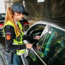 Klaipėdos apskrityje per reidą išaiškinta pusantro šimto nusižengusių vairuotojų