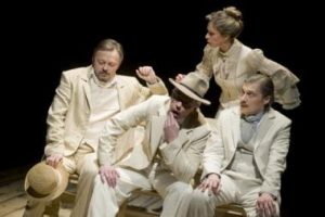 Teatro scenoje – nuobodoki vasarojimo ypatumai