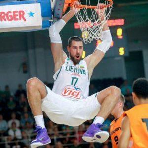 Lietuvos krepšinio rinktinė turnyrą Brazilijoje pradėjo pergale prieš australus
