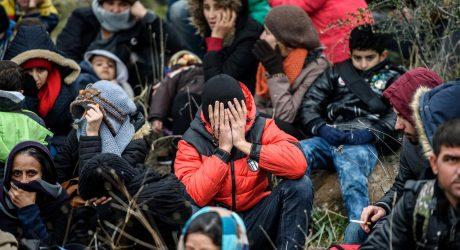JT ragina Turkiją atverti sieną Sirijos pabėgėliams