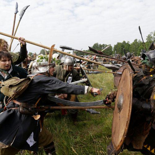 Čekijos miškuose klajojo tūkstančiai hobitų  © Scanpix nuotr.