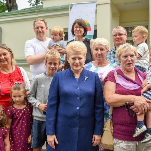 Įsivaikinusių šeimų susitikimas Prezidentūroje  © R. Dačkaus / Prezidentūros nuotr.