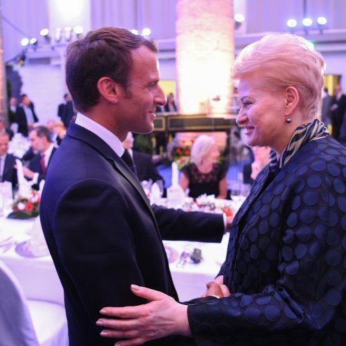 Prezidentė dalyvavo E. Macrono apdovanojime