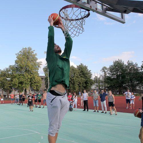 Atvira treniruotė su krepšinio žvaigždėmis  © Evaldo Šemioto nuotr.