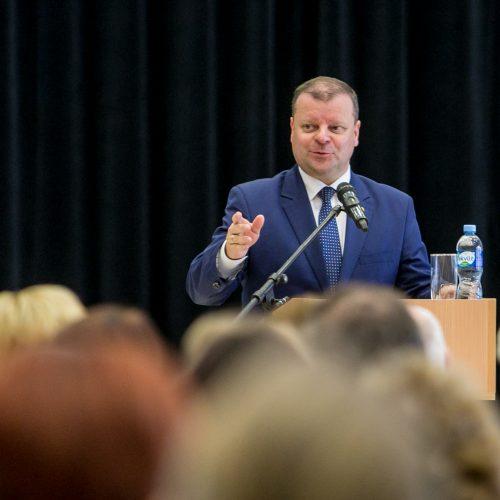 S.Skvernelis susitiko su nestreikuojančio Kauno rajono mokytojais
