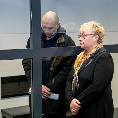 Kirgizijos piliečio, kaltinamo kolegos nužudymu, teismas  ©