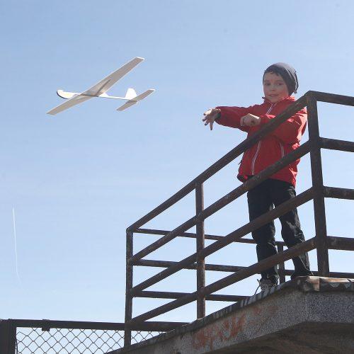 """""""Atvelykis tarp lėktuvų"""" Aleksote  © Evaldo Šemioto nuotr."""