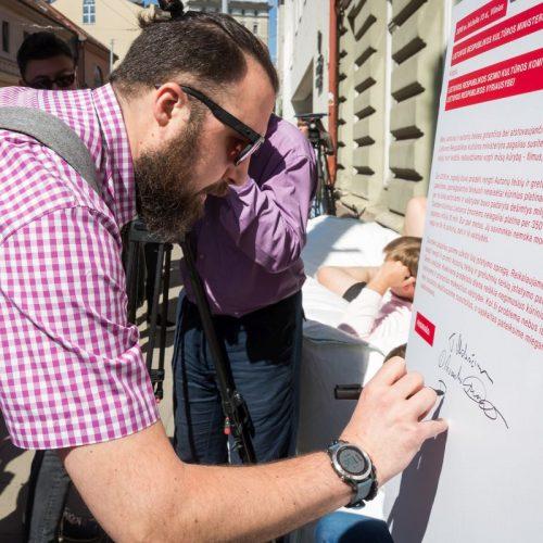 Kūrėjų peticija prie Kultūros ministerijos  © Organizatorių nuotr.