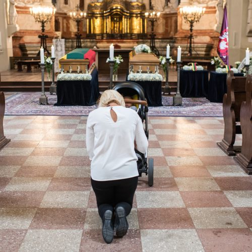 Šv. Jonų bažnyčioje pašarvoti M. Biržiškų šeimos palaikai  © G. Bartuškos (ELTOS), V. Skaraičio (BFL) nuotr.