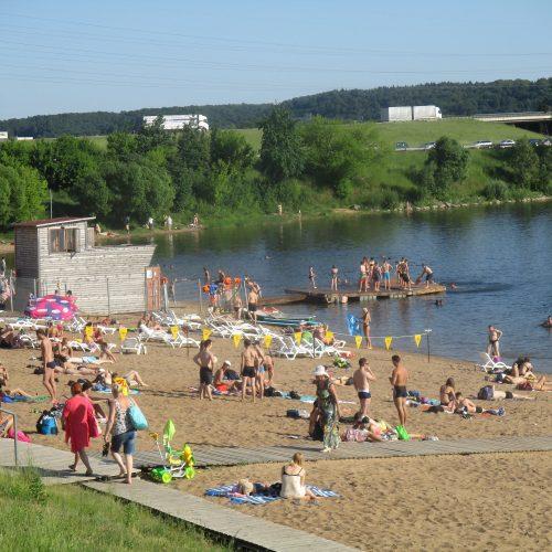 Kauniečiai užplūdo paplūdimius  © Valdo Kasperavičiaus nuotr.