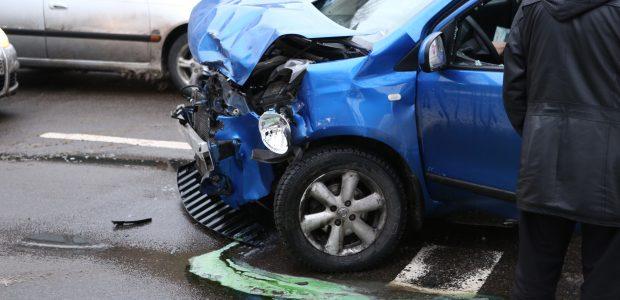 Pusė eismo įvykio deklaracijų užpildoma neteisingai: kokių klaidų vengti