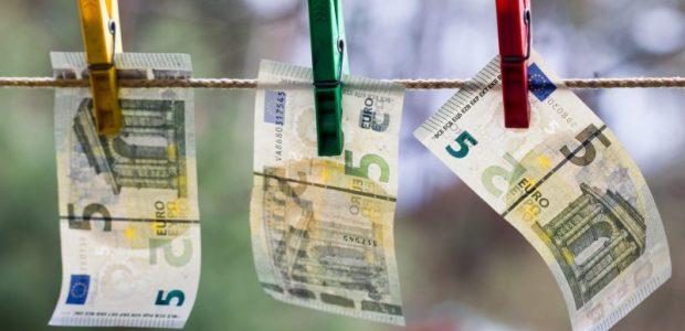Pusė Lietuvos gyventojų svarstytų trauktis į šešėlį pablogėjus finansinei situacijai