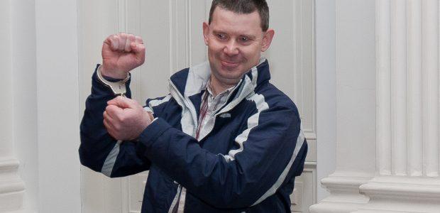 Dėl ginklų prekybos ieškomo airio gynėjai: prokurorai piktnaudžiauja įgaliojimais
