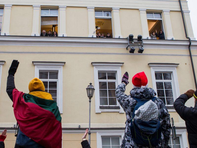 Streikuojantys mokytojai negaus algų: parama plaukia į streiko fondą