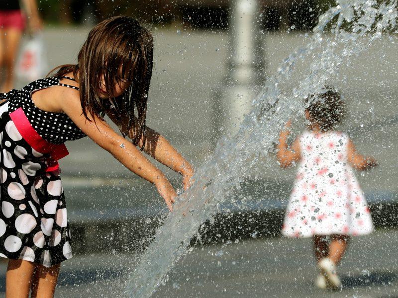 Gera žinia orų fronte: plūstels vasariška šiluma, kuri trauktis neskubės